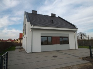 Nowy dom na sprzedaż w Kiekrzu – bliźniak od dewelopera